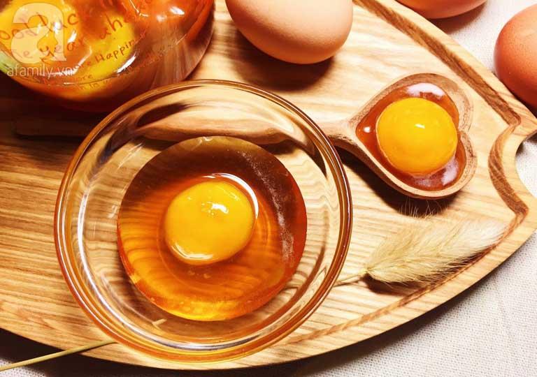 Chưng mật ong với trứng gà để ăn mỗi ngày giúp cung cấp dưỡng chất cho cơ thể