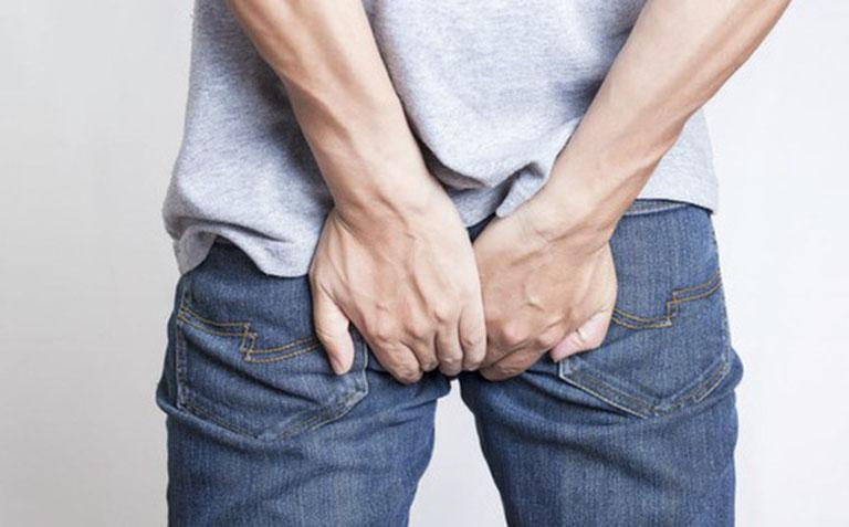 Sa búi trĩ ra bên ngoài trực tràng gây đau nhức và gây ra phiền toái trong sinh hoạt hàng ngày