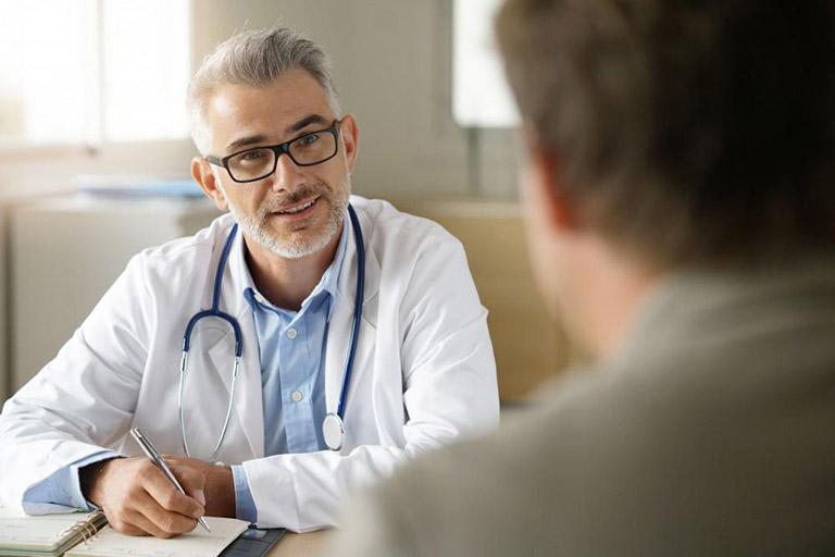Thăm khám bệnh càng sớm càng tốt nếu nghi ngờ bản thân bị trĩ ngoại tắc mạch