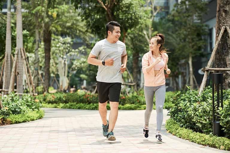 Tăng cường vận động khi bị trĩ để tránh gây áp lực lên cơ quan tiêu hóa