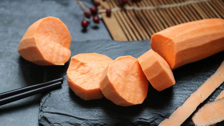 Khoai lang là thực phẩm mang lại rất nhiều lợi ích cho sức khỏe và được chuyên gia khuyên dùng