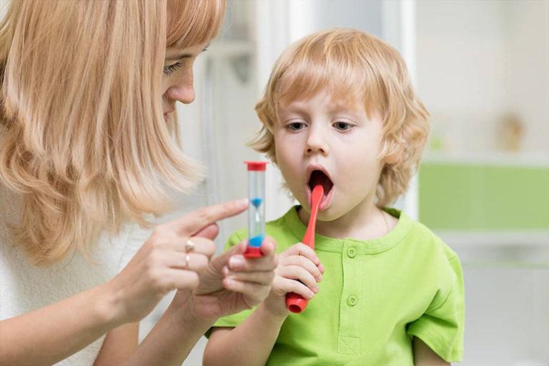 Giúp bé hiểu được tầm quan trọng của việc vệ sinh răng miệng mỗi ngày
