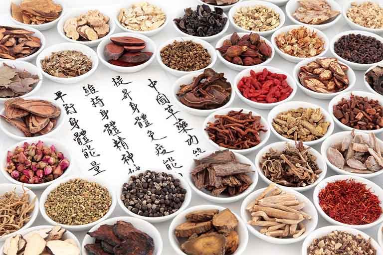 Bài thuốc Đông y chữa viêm amidan là sự tập hợp của nhiều vị thuốc khác nhau, vừa có tác dụng trị bệnh chính vừa giúp mát gan, giải độc và thanh nhiệt cơ thể