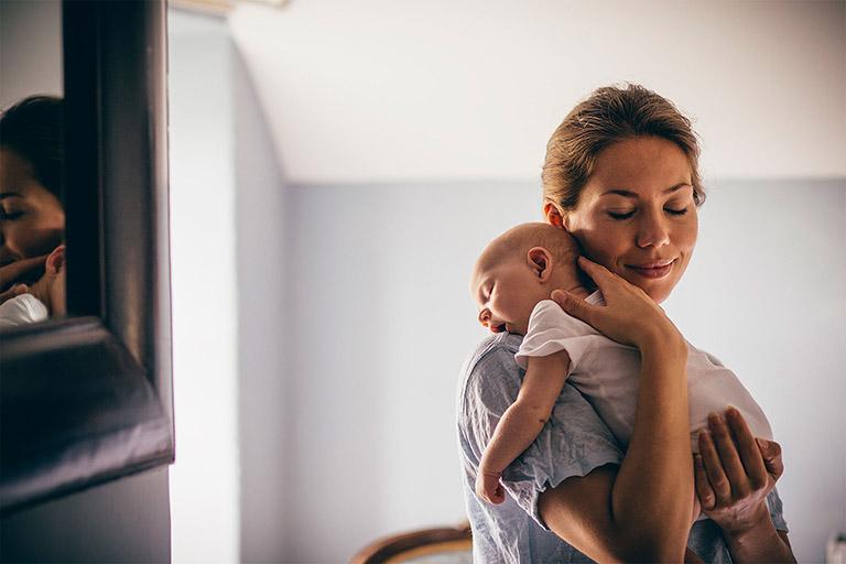 chữa viêm họng cho trẻ dưới 1 tuổi