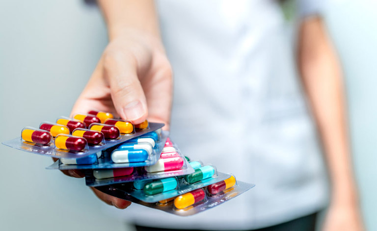 dùng thuốc kháng sinh trị viêm phế quản cần lưu ý những gì?