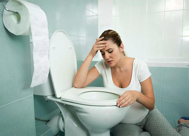 Cơn ốm nghén kéo dài khi mang thai khiến cơ thể chán ăn, hệ miễn dịch suy giảm cùng với sức đề kháng yếu đã tạo điều kiện thuận lợi cho vi khuẩn và virus xâm nhập vào tổ chức amidan gây viêm