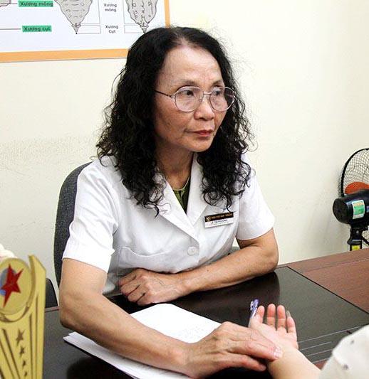 Bác sĩ Lê Phương Quân dân 102