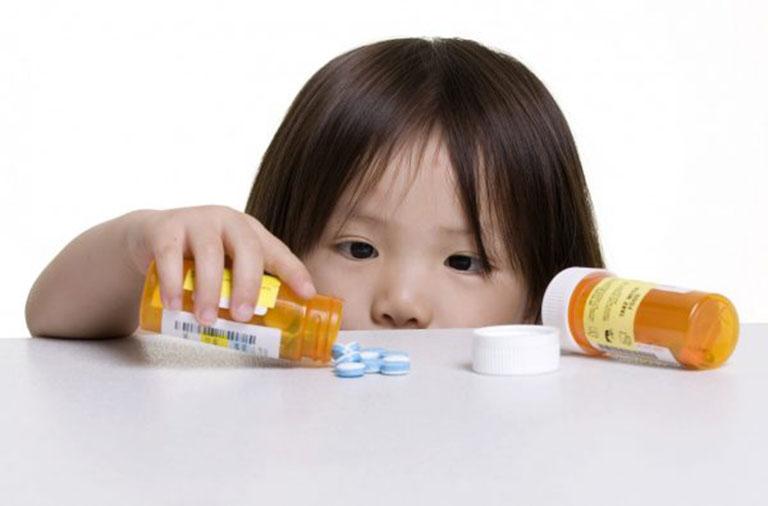 Cách chăm sóc trẻ bị viêm họng mủ tại nhà