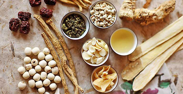 Chữa viêm amidan bằng Đông y giúp cải thiện triệu chứng của bệnh và mang lại nhiều lợi ích cho sức khỏe