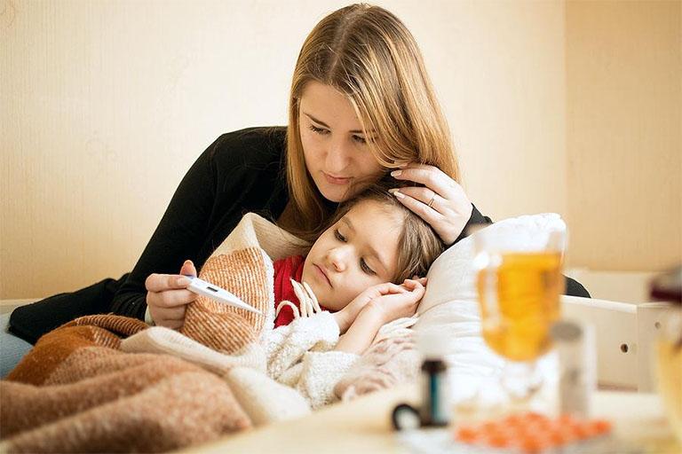 Sức đề kháng của con trẻ sẽ bị suy giảm nếu cho trẻ uống không đúng thuốc kháng sinh hay lạm dụng thuốc