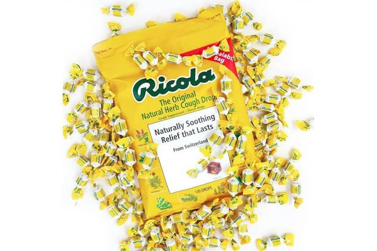 Viên ngậm không đường Ricola hỗ trợ trị ho, thông cổ họng và làm giảm chứng cảm cúm