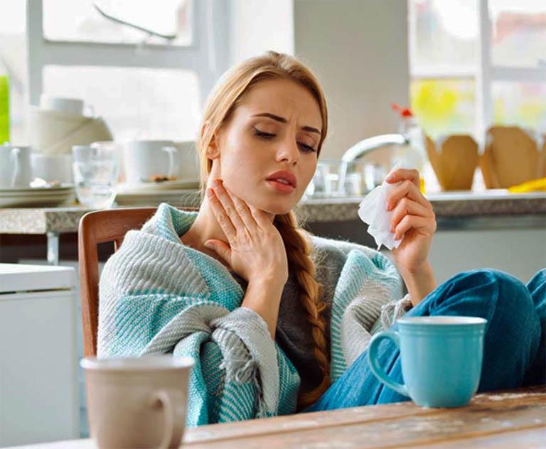 cách điều trị Viêm amidan cấp ở người lớn