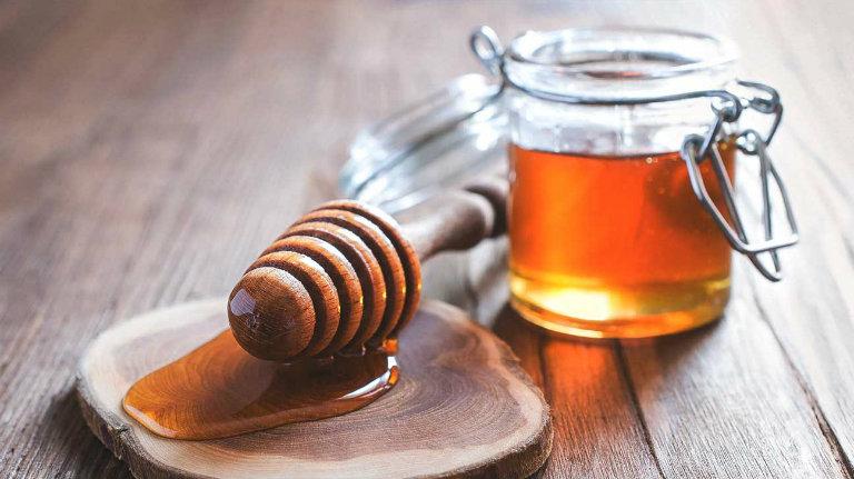 cách chữa Viêm amidan cấp ở người lớn tại nhà bằng mật ong