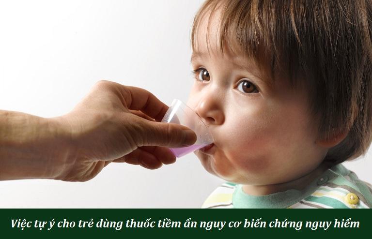 Cha mẹ cần thật sự thận trọng khi tìm kiếm phương pháp xử lý mề đay ở trẻ nhỏ