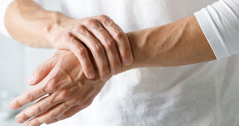 Tập luyện thể dục là cách giúp bạn sống chung với bệnh viêm đa khớp và phòng ngừa biến chứng