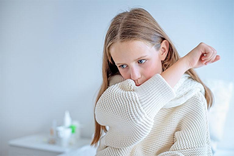 Ho tuy không phải là bệnh lý nguy hiểm nhưng triệu chứng của bệnh gây ra không ít sự khó chịu