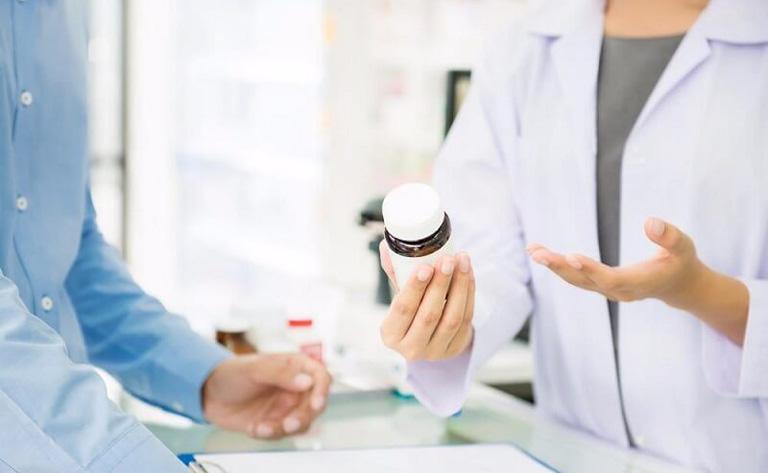 Chỉ sử dụng thuốc Tây y trị bệnh khi có chỉ định của bác sĩ chuyên khoa để tránh gây hại đến sức khỏe