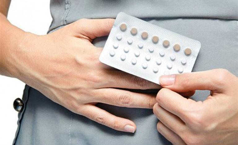 Giảm ham muốn tình dục cũng có thể xảy ra ở những chị em thường xuyên sử dụng thuốc tránh thai