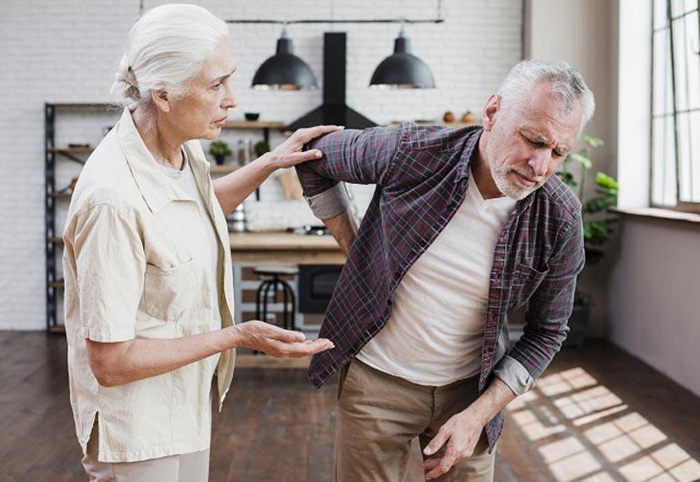 Tuổi tác càng cao thì quá trình thoái hóa xương khớp diễn ra càng mạnh mẽ