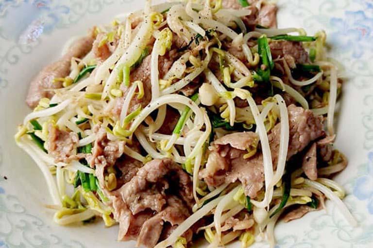 Thịt bò xào giá là món ăn chứa nhiều dưỡng chất tốt cho sức khỏe và sinh lý