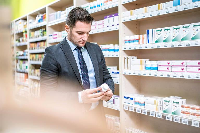 """Naml giới nên tìm mua thuốc bổ thận tráng dương tại các địa chỉ uy tín, đáng tinh cậy để phòng tránh tình trạng """"tiền mất tật mang"""""""
