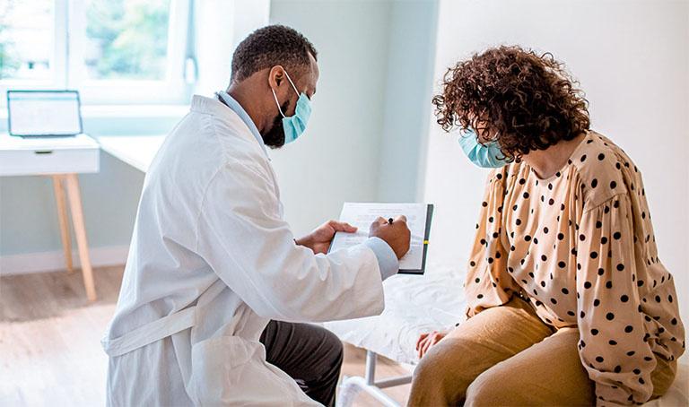 Cần chủ động thăm khám bệnh từ sớm nếu nghi ngờ bản thân có biểu hiện của bệnh xuất huyết dạ dày