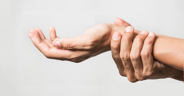 Thấp khớp là bệnh lý xương khớp xảy ra ngày càng phổ biến và gây ảnh hưởng đến khả năng vận động