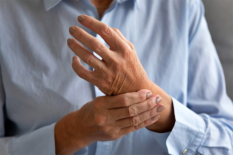 Phương pháp chữa bệnh thấp khớp bằng thuốc nam có tác dụng hỗ trợ cải thiện và phòng ngừa cơn đau nhức xương khớp, tê bì tay chân
