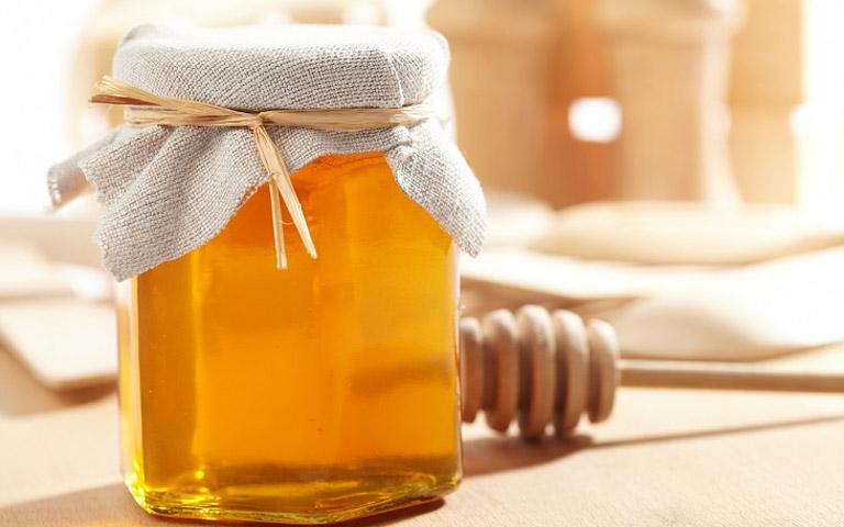 Mật ong cũng là dược liệu mang lại rất nhiều lợi ích cho sức khỏe và có thể tận dụng để trị sỏi mật tại nhà