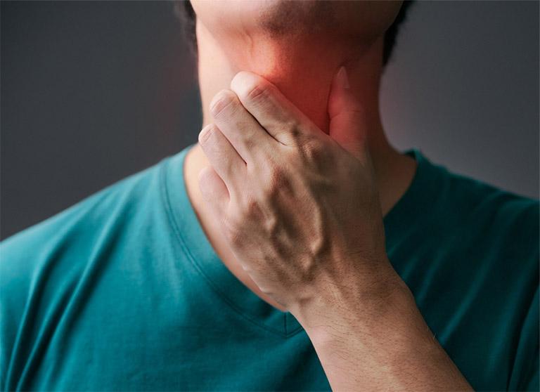 Clo test là kỹ thuật xét nghiệm xâm lấn nên có thể gây ra một hoặc nhiều tình trạng khó chịu