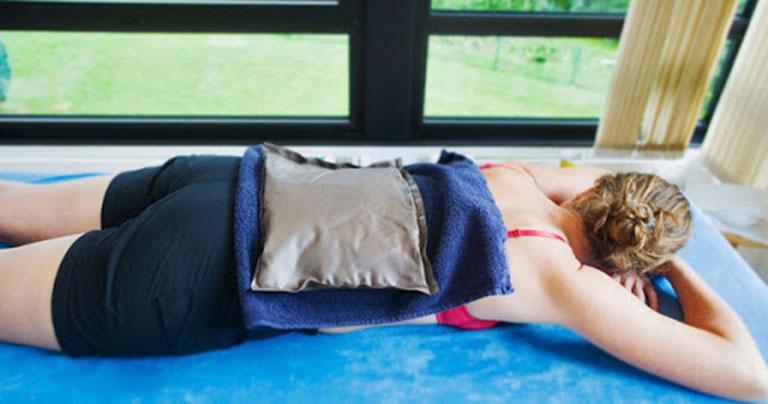 Ngủ dậy bị đau lưng
