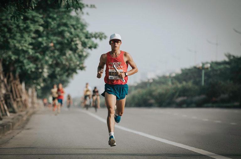 Viêm bao hoạt dịch khớp gối rất dễ khởi phát ở vận động viên chạy bộ