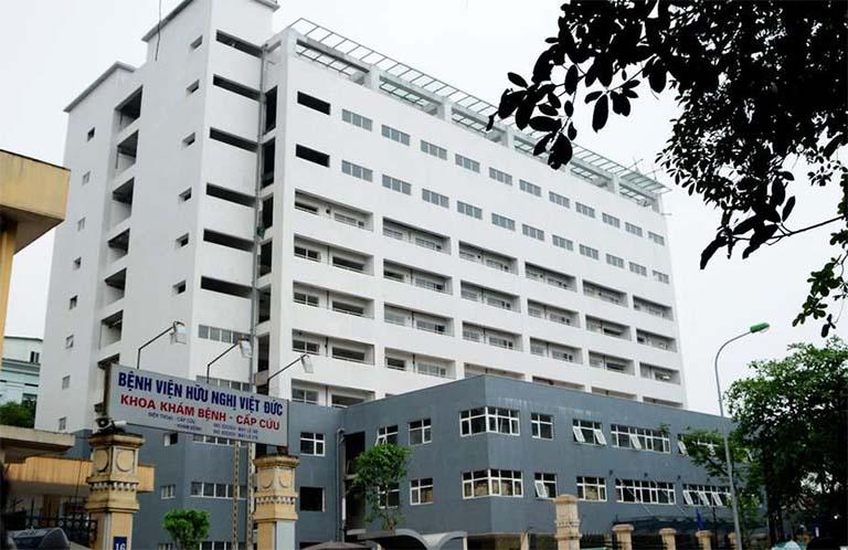 Bệnh viện Hữu Nghị Việt Đức đang nghiên cứu và ứng dụng nhiều kỹ thuật tiên tiến trong công tác điều trị tràn dịch khớp gối
