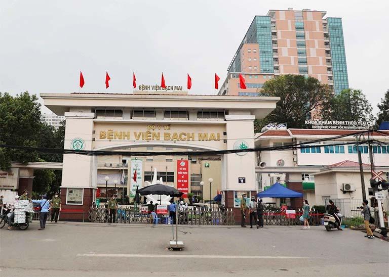 Bệnh viện Bạch Mai là địa chỉ thăm khám và điều trị bệnh tràn dịch khớp gối uy tín mà người bệnh không nên bỏ qua