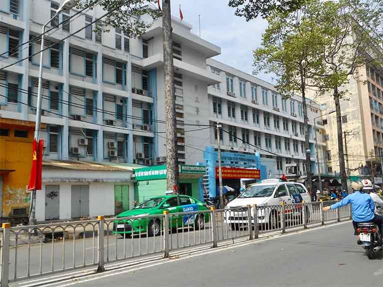 Bệnh viện Chấn thương Chỉnh hình Thành phố Hồ Chí Minh là đơn vị y tế trực thuộc phía Nam nước ta có tiếp nhận các trường hợp chẩn đoán và điều trị các bệnh lý liên quan đến xương khớp