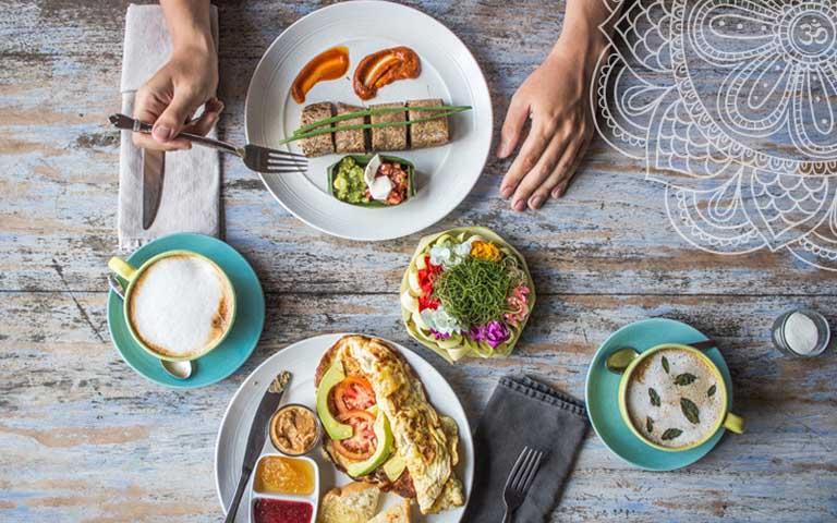 Tràn dịch khớp gối nên ăn gì và kiêng gì để hỗ trợ điều trị bệnh tại nhà