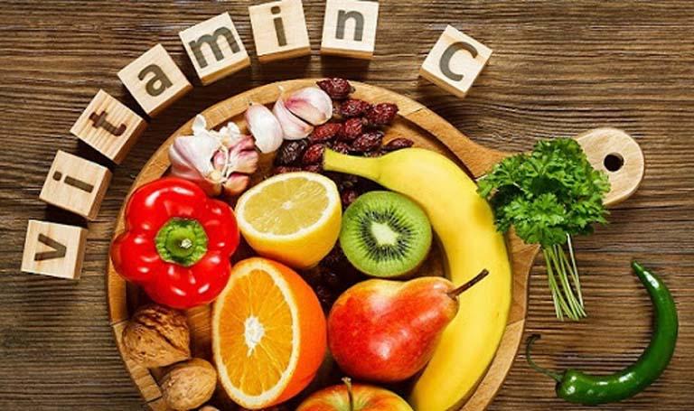 Người bị tràn dịch khớp gối nên tăng cường sử dụng thực phẩm giàu vitamin C