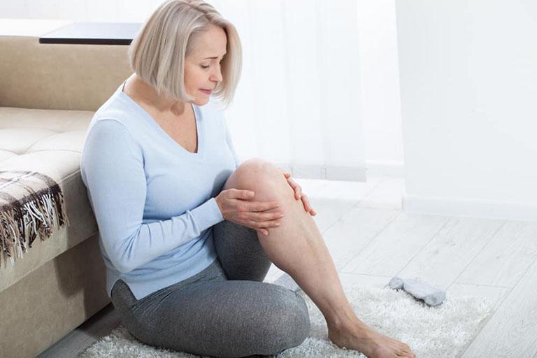 Viêm bao hoạt dịch khớp gây hạn chế khả năng vận động của người bệnh