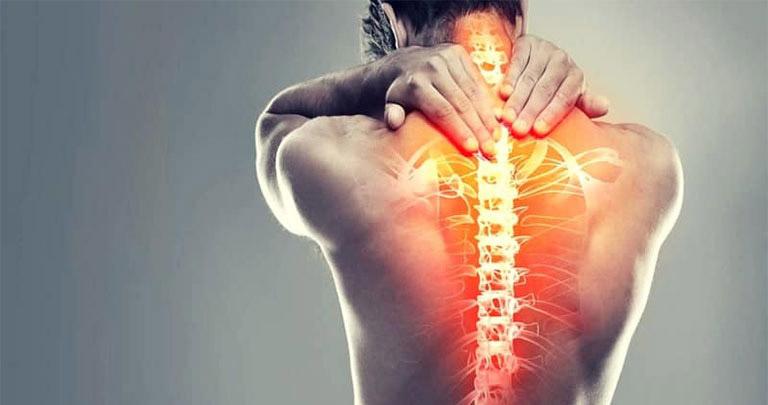 Đau nhức lưng vùng sau phổi phải trái là tình trạng có thể xảy ra ở bất kỳ đối tượng nào