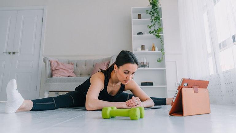 Hình thành thói quen tập thể dục mỗi ngày giúp tăng cường sức khỏe và độ linh hoạt của xương khớp